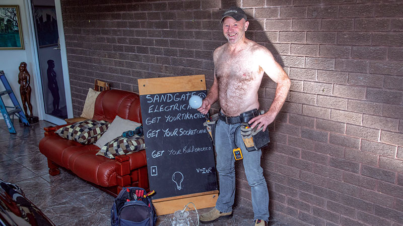 FEARLESS TRADIES POSE FOR CHARITY CALENDAR